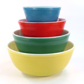 Pyrex - Primary Color Mixing Bowls
