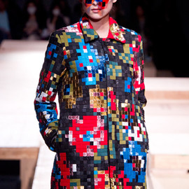 ANREALAGE - LOW PIXEL DRAPE FLOWER COAT