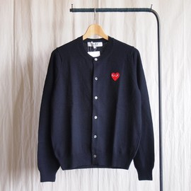 PLAY COMME des GARCONS - 紡毛ラムウール天竺カーディガン 赤エンブレム #navy