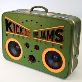 Wieden & Kennedy / CURTIS PACHUKA - Kick out the Jams / boombox
