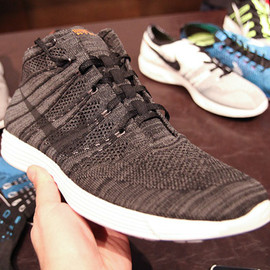 NIKE, hTm - Lunar Fly Knit Trainer Mid