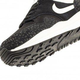 Nike - Air Safari - Black/Sail