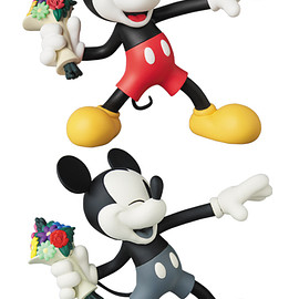 MEDICOM TOY - VCD THROW MICKEY NORMAL Ver./B&W Ver.