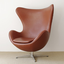 Fritz Hansen - Egg chair by Arne Jacobsen