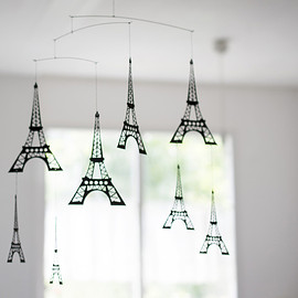 Roger Stakör, ART IN MOTION - MOBILE EIFFEL TOWER エッフェル塔のモビール