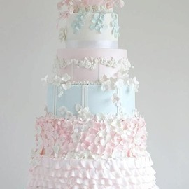 Exquisite Pastel Tiered Wedding Cake