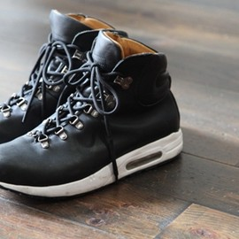 Be Positive - HIKER BOOT