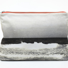 Dezso - Tulum Black & White Wave Pouch