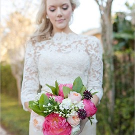 wedding - pretty dress + bouquet