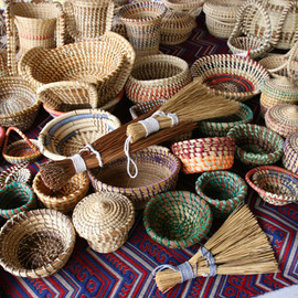 Sweetgrass baskets - A wide selection of Gullah Sweetgrass baskets for sale in Charleston