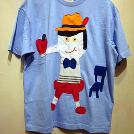 Doinky Doodles! - Pinocchio  Custom-made tee featuring Pinocchio balancing an apple on his nose.