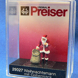 Preiser - Santa claus with sack of gifts