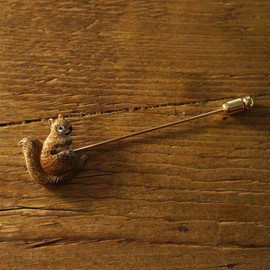 kokochi - squirrel brooch <France>