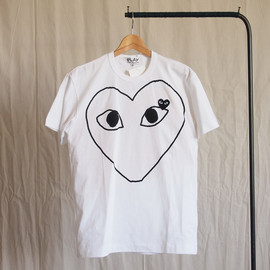 PLAY COMME des GARCONS - 綿天竺プリント(黒エンブレム)T-Shirt #white