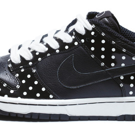 "NIKE - DUNK LOW ""POLKADOT"" (Black)"