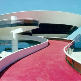 Oscar Niemeyer - Contemporary Art Museum, Niteroi (just next to Rio de Janeiro), so amazing