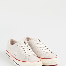 CONVERSE, UNDEFEATED - One Star OX