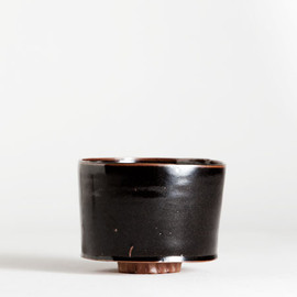 Matthias Kaiser - german chawan with tenmoku glaze