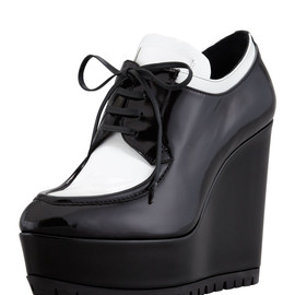 PRADA - Spazzolato Oxford Wedge