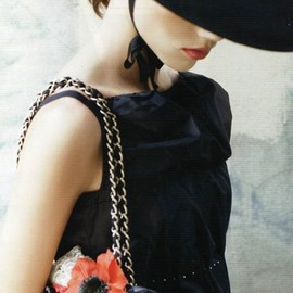 CHANEL - Chanel: What a classic Look