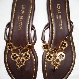 Louis Vuitton - resort sandals