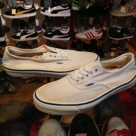 "vans - 「<used>80's vans AUTHENTIC white""made in USA"" size:US11(29cm) 13800yen」完売"