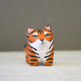 Handy Maiden - Tiger pocket totem figurine