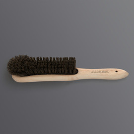 LABOUR AND WAIT - Clothes Brush