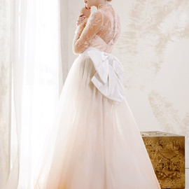 V souz - long sleeve peach lace wedding dress