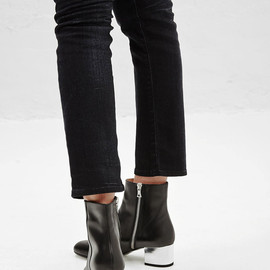 Dries Van Noten - Dries Van Noten Metallic Heel Ankle Boot (Black)