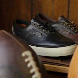 VANS - vans horween leather company sneakers