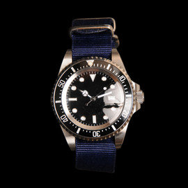 Military Watch Company - Diver Watch with Navy Band