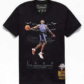 Mitchell & Ness - Vince Wins It All in 2000 Slam Dunk Contest Tee - Black