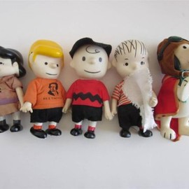 PEANUTS - Vtg 1966 Pocket Dolls SNOOPY Linus CHARLIE BROWN Peanuts Gang vinyl figure toy