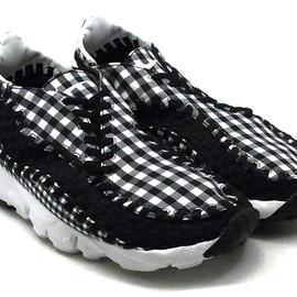 Nike - NIKE FOOTSCAPE WOVEN FREEMOTION