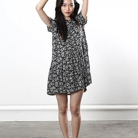 Lonely Hearts - Patchwork Dress in the new black and white florall