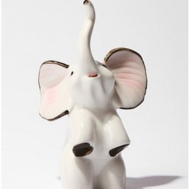 urban outfitters - Ceramic Elephant Ring Holder
