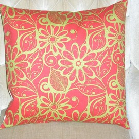 Luulla - Decorative Accent Pillow Cover - 18 x 18 - Tangerine Orange & Colored Floral Contemporary Pattern