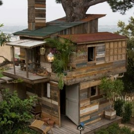 DIY house by Ravenesque.creations