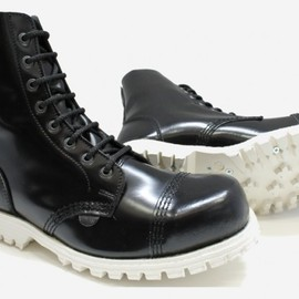 Underground - Stormer Steel Caps 8 Eyelet Boot Black Leather with White Sole