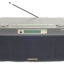 SONY - Celebrity designed GIUGIARO D-3000