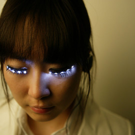 Soomi Park - LED Eyelash