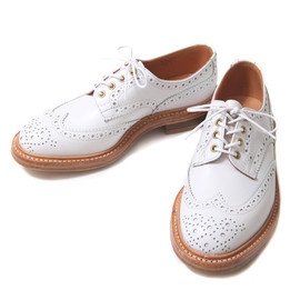 Tricker's - wing tip shoes/white