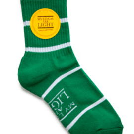 MY LOADS ARE LIGHT - Border Sox (green)
