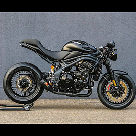 Triumph - CAFÉ NOIR | Speed Triple 1050 R ABS