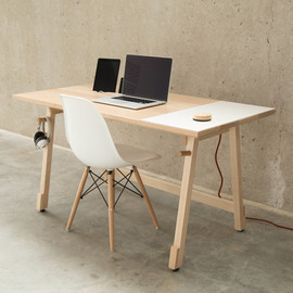 ARTIFOX - The Artifox Desk