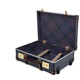 """28"""" Suit Case With Wheels"""