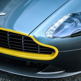 Aston Martin - Aston Martin V8 Vantage N430 and DB9 Carbon Editions