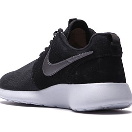 NIKE - Roshe One - Black/Dark Grey