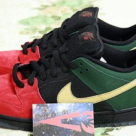 "NIKE SB - NIKE SB DUNK LOW ""BLACK HISTORY MONTH"""